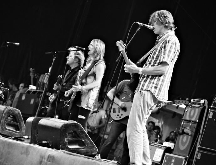 Sonic_Youth_at_Osheaga_2010-08-01_Montreal
