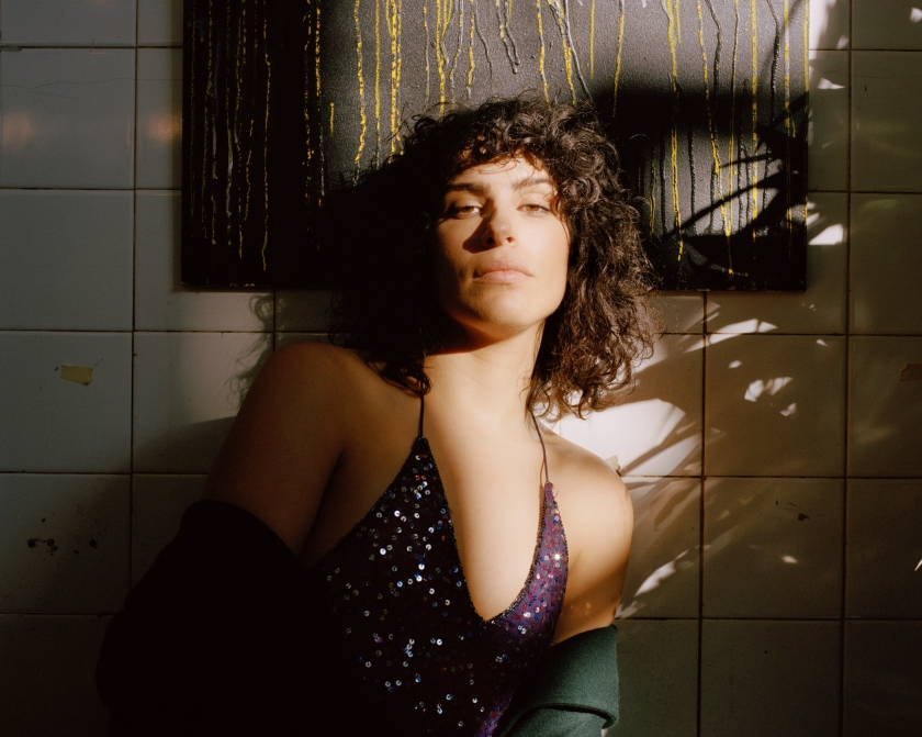BISEXUAL1_Desiree Akhavan as Leila © Hootenanny and all3media international (3).jpg